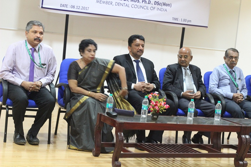 Dr. S.M. Balaji seated on the dais with Dr. N. Vivek, Dean, SRM Dental College, Kattankulathur, Dr. N. Chandra Prabha Director of Health Sciences, SRM University, Dr. N. Sethuraman, Registrar, SRM University and others.