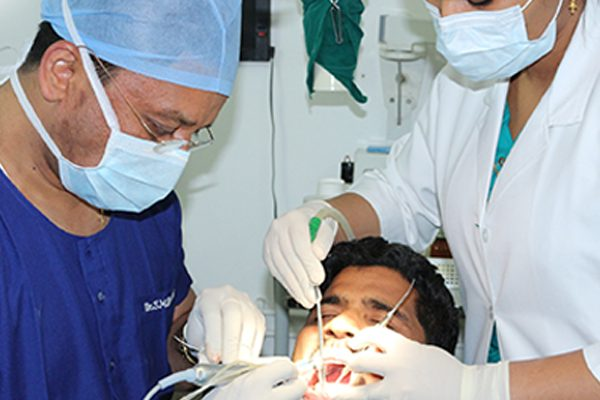 Dr SM Balaji, Dentist in Chennai