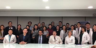 Prof SM Balaji with Dr Ted Nicoloff, Dr Charles Sia and all the residents who attended his lecture