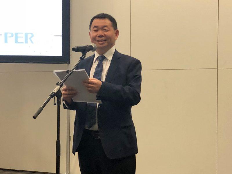 Dr Chuanbin Guo at the IADR APR board meeting