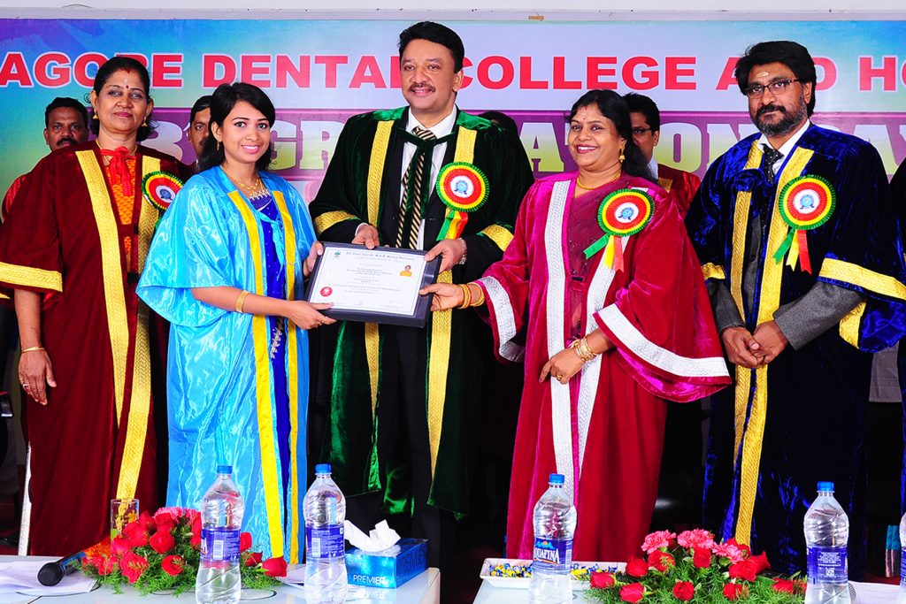 Prof SM Balaji presents Certificates of Excellence to meritorious students at the 3rd Graduation day