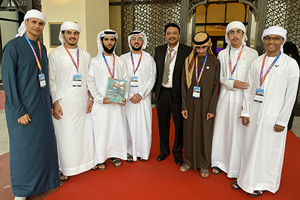 Dr SM Balaji presented them with his 'Textbook of Oral and Maxillofacial Surgery,' which was greatly appreciated by the students.