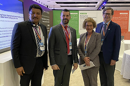 The Chairperson Of The Organizing Committee With Dr Sm Balaji, Dr Enzo Bondioni, Executive Director, Fdi And Dr Christopher Fox, Executive Director, Iadr